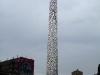 La cheminée taguée de l\'ex-blanchisserie de Pantin. Photo: Les Soirées de Paris