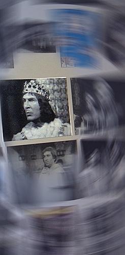 La caméra explore le temps sur le mur de Google images. Photo: PHB