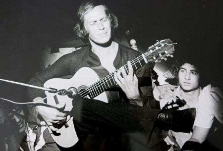 Paco de Lucia, lors d'un concert au Théâtre antique d'Arles , en 1979. Photo: Véronique Bouche