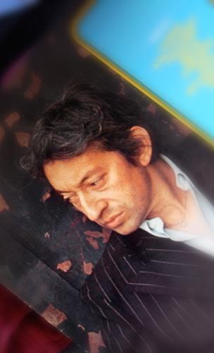 Gainsbourg sur la couverture d'un double album. Photo: Les Soirées de Paris