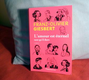 """""""L'amour est éternel tant qu'il dure"""". Le dernier roman de Franz-Olivier Giesbert paru chez Flammarion. Photo: Les Soirées de Paris"""