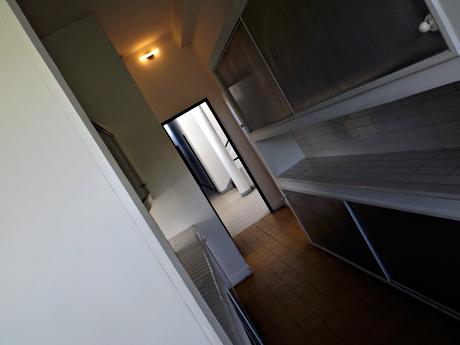 Aspect intérieur dela villa Savoye. Photo: Les Soirées de Paris.