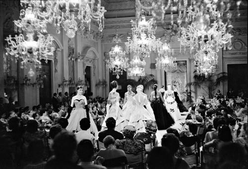 Sala Bianca, Battista Giorgini, 1955. Source photo: Victoria & Albert Museum