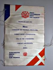 Menu du 10 avril 1954 sur Air France. Photo: Les Soirées de Paris