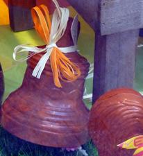 Cloche en chocolat à la devanture d'une pâtisserie de La Rochelle. Photo: LSDP