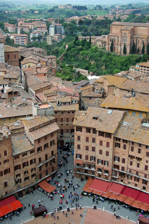 La place de Sienne vue d'en haut. Photo: G. de Fos