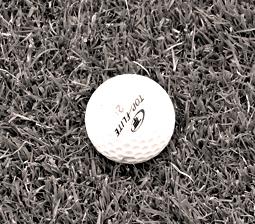 Balle de golf. Photo: Les Soirées de Paris