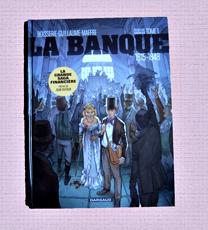 """L'album de BD """"La Banque"""" chez Dargaud. Photo: Les Soirées de Paris"""