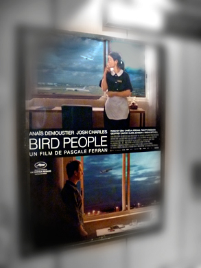 L'affiche de Bird People. Photo: LSDP