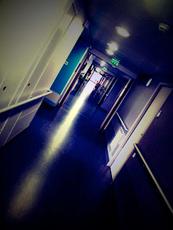 Couloir d'hôpital. Photo: Les Soirées de Paris