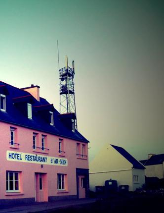 L'hôtel et restaurant l'Ar-Men sur l'île de Sein. Photo: Les Soirées de Paris