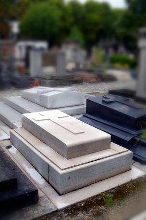 La tombe de Louise de Coligny au cimetière de Passy. Photo: Les Soirées de Paris