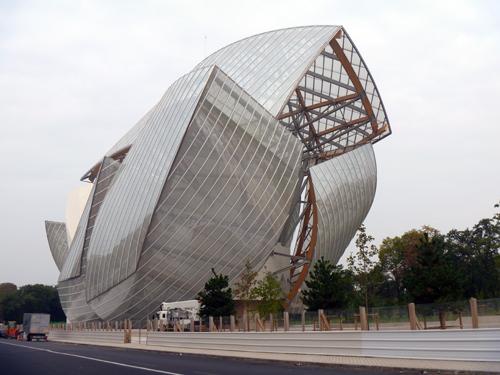 La Fondation Louis Vuitton au Bois de Boulogne. Photo: Les Soirées de Paris
