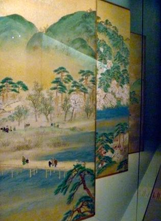 """Aspect de l'exposition """"Le Japon au fil des saisons"""". Photo: Les Soirées de Paris"""