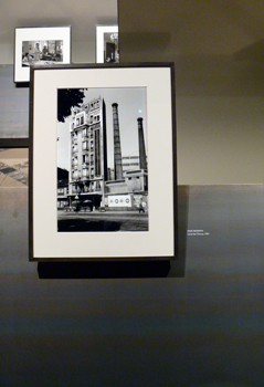 Tirage d'Inge Morath. aspect de l'exposition Paris Magnum. Photo: LSDP