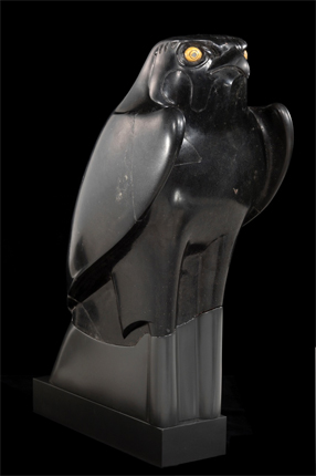 Statue d'Horus sous forme de Faucon. © Service de presse Louvre-Lens / Musée du Louvre RMN Grand Palais/ Christian Descamps