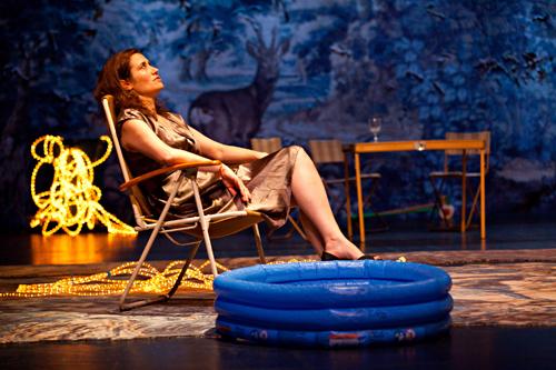 Platonov au théâtre de la colline. Photo: Jean-Louis Fernandez
