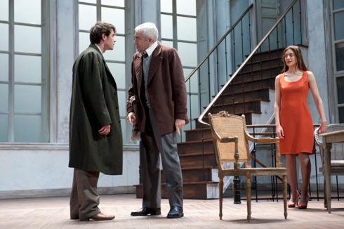 Scène du Misanthrope à la Comédie Française. Photo: Brigitte Enguérand