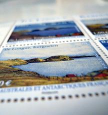 Les Taaf en timbres. Photo: Les Soirées de Paris