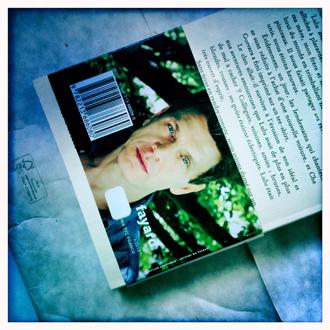 "Verso de ""L'homme qui ment"". Photo: PHB"