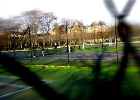 Tennis en hiver au jardin du Luxembourg. Photo: PHB