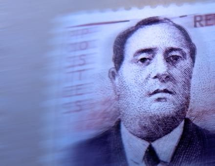Effigie d'Apollinaire sur un timbre. Photo: LSDP