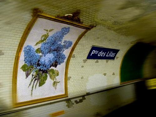 Ambiance nostalgique à la station Lilas. Photo: Les Soirées de Paris