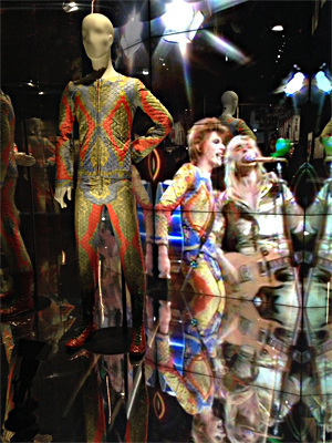 La tenue de Ziggy Stardust. Photo: Valérie Maillard