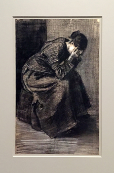 Femme pleurant assise sur un panier. Van Gogh. (1883). Photo: Valérie Maillard
