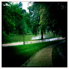 Les Buttes-Chaumont sous la pluie. Photo: PHB/LSDP