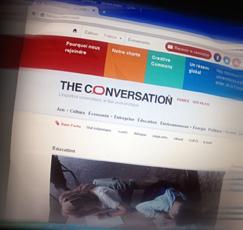 """Tne conversation"". Photo: PHB/LSDP"