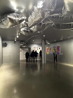 "Evocation de la ""Factory"". Exposition Andy Wahrol au MAM. Photo: VM"