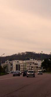 Le Mont-Valérie, vu du Pont de Suresnes. Photo: PHB/LSDP