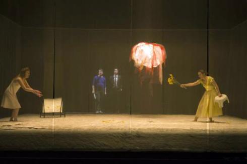 """Scène de """"La ménagerie de verre"""". Photo: Elisabeth Carecchio."""