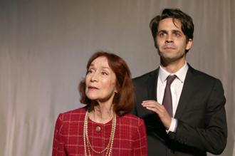 """""""Je l'appelais Monsieur Cocteau"""". Théâtre Hébertot. Photo: Lot"""