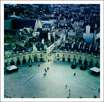Dijon, la place de la Libération. Photo: PHB/LSDP