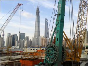 Le nouveau quartier de Pudong depuis la vieille ville/©Lottie Brickert