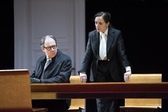 Hervé Pierre (Burrhus) et Dominique Blanc (Agrippine) © Brigitte Enguérand Comédie-Française