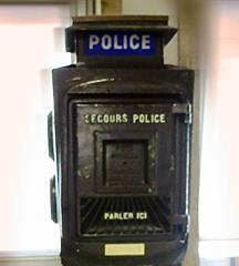 Borne d'appel de la police. Photo: Gérard Goutierre