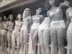 Les débuts du bikini à la galerie Joseph. Photo: PHB/LSDP