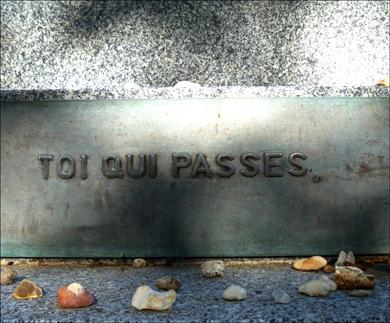 Détail du mémorial Dachau au cimetière du Père Lachaise. Photo: PHB/LSDP